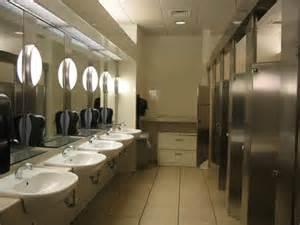 dillards restroom