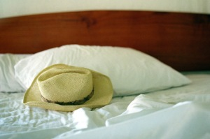 8-hat-bed