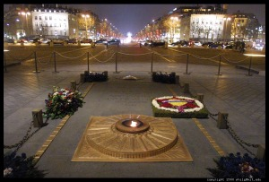 eternal-flame-arc-de-triomphe.half