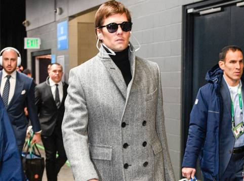 rs_1024x759-180205100451-1024-2tom-brady-super-bowl-outfit